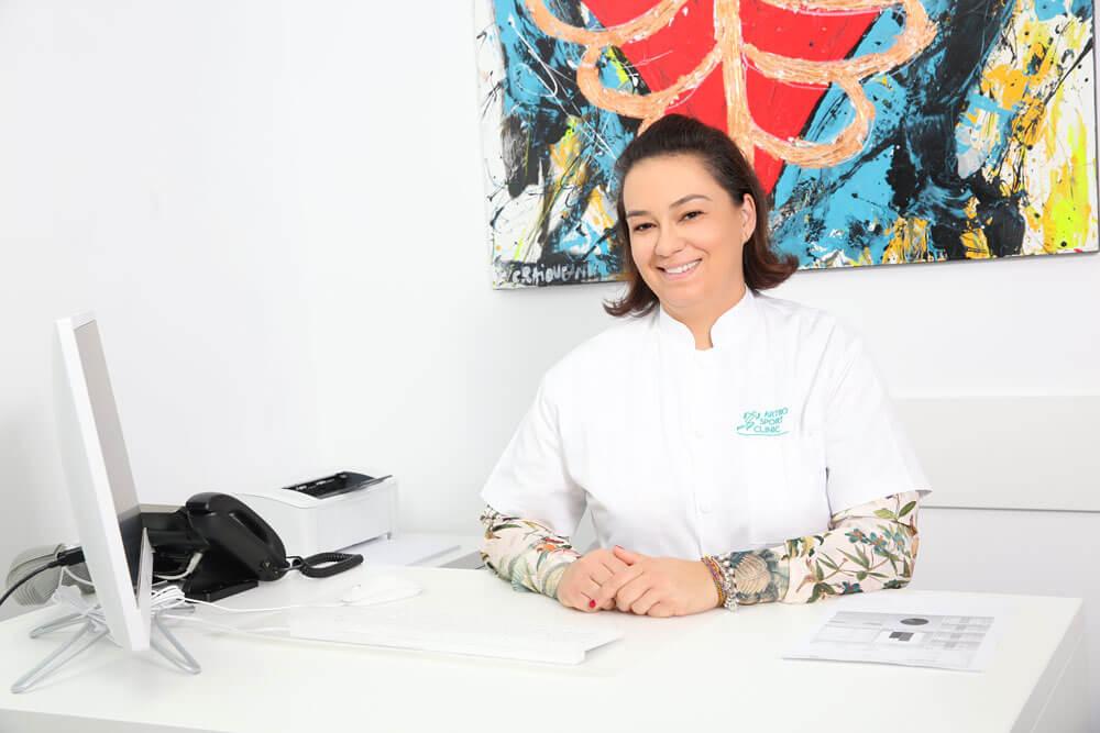 Dr. Irina Gabriela Gaiu - medic specialist medicina sportiva // Artro Sport Clinic
