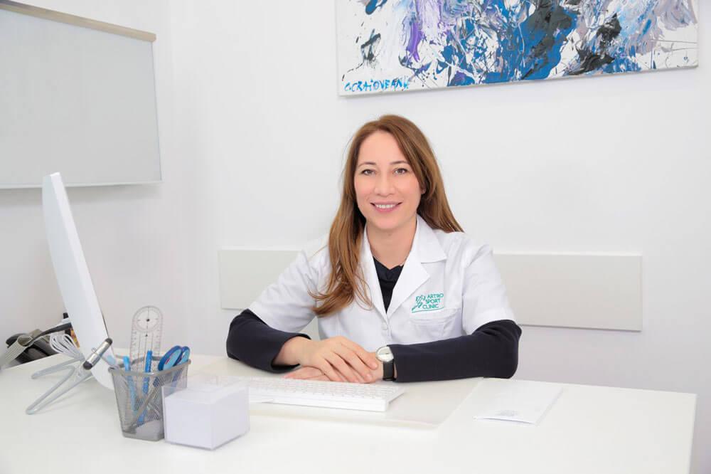 Dr. Georgiana Nedelea - medic specialist ortopedie - traumatologie // Artro Sport Clinic