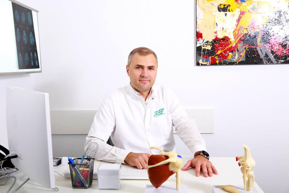 Dr. Stefan Catalin Mitulescu - medic primar ortopedie si traumatologie sportiva // Artro Sport Clinic