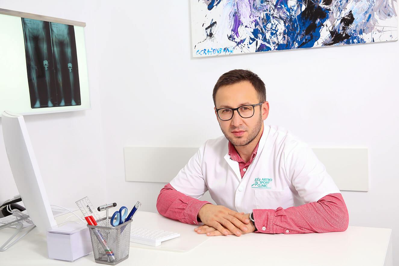 Dr. Eduard Marcel Cernat - Medic specialist ortopedie si traumatologie // Artro Sport Clinic